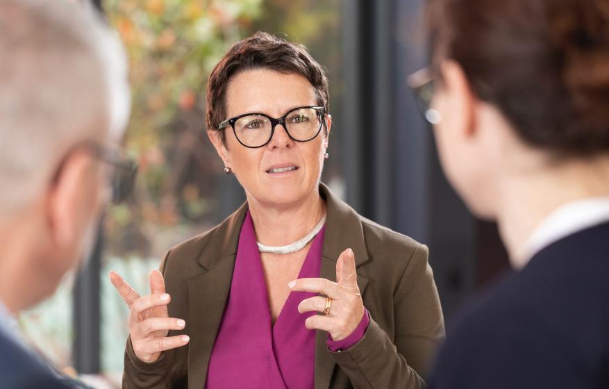 Bettina Hirth mit Business-Kunden